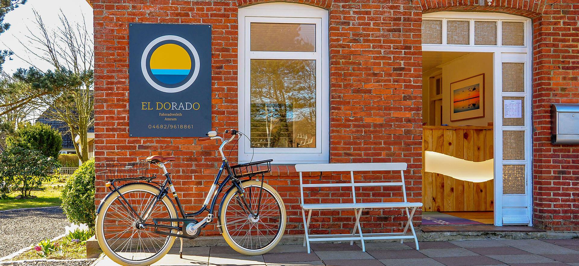 Fahrradverleih Amrum Eldorado Norddorf Fahrrad mieten leihen E Bike E Fahrrad Himmel blau Außenansicht Taft Nebel Wittdün Süddorf Steenodde Gebäude
